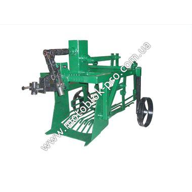 Картофелекопатель механизированный КМ-3 (привод-ВОМ (кардан) c ходоуменьшителем