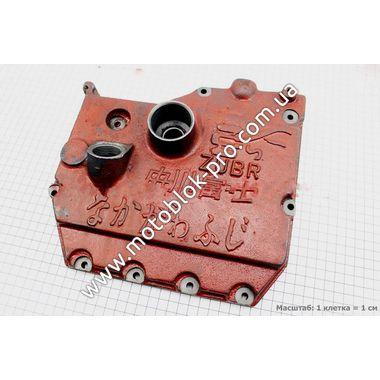 Крышка блока двигателя правая (короткая) чугунная 9отв. (R190)